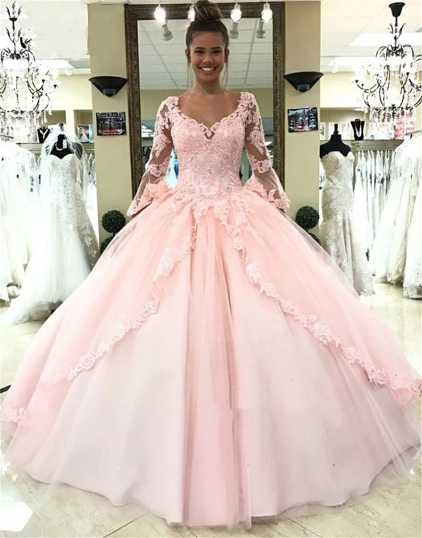 Designer Light Pink Ball Gown Quinceanera Dresses Appliques Lace Flare Long Sleeve Plus Size Sweet 16 Dress Prom Evening Gowns
