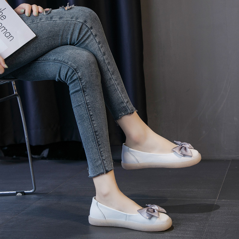 Leather Women Shoes 2019 Casual Shoes Ladies Fashion Flat Shoes Breathable Comfort Set Foot Shoes Vulcanized Shoes Women in Women 39 s Vulcanize Shoes from Shoes
