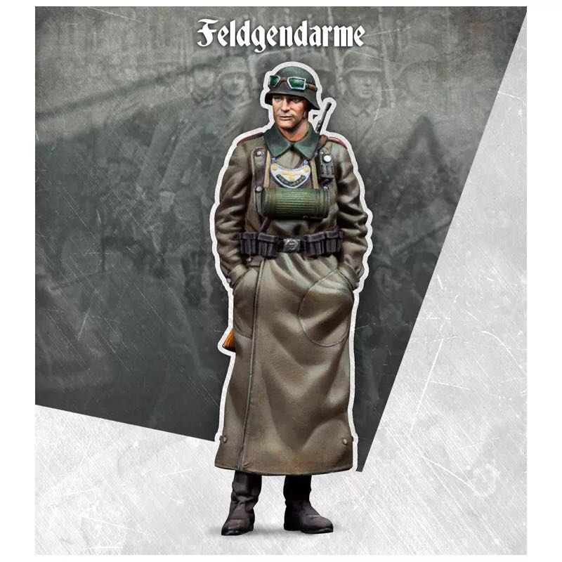 1/35 Figures Resin Soldier  German Officer Model Kits Colorless And Self-assembled DE-02