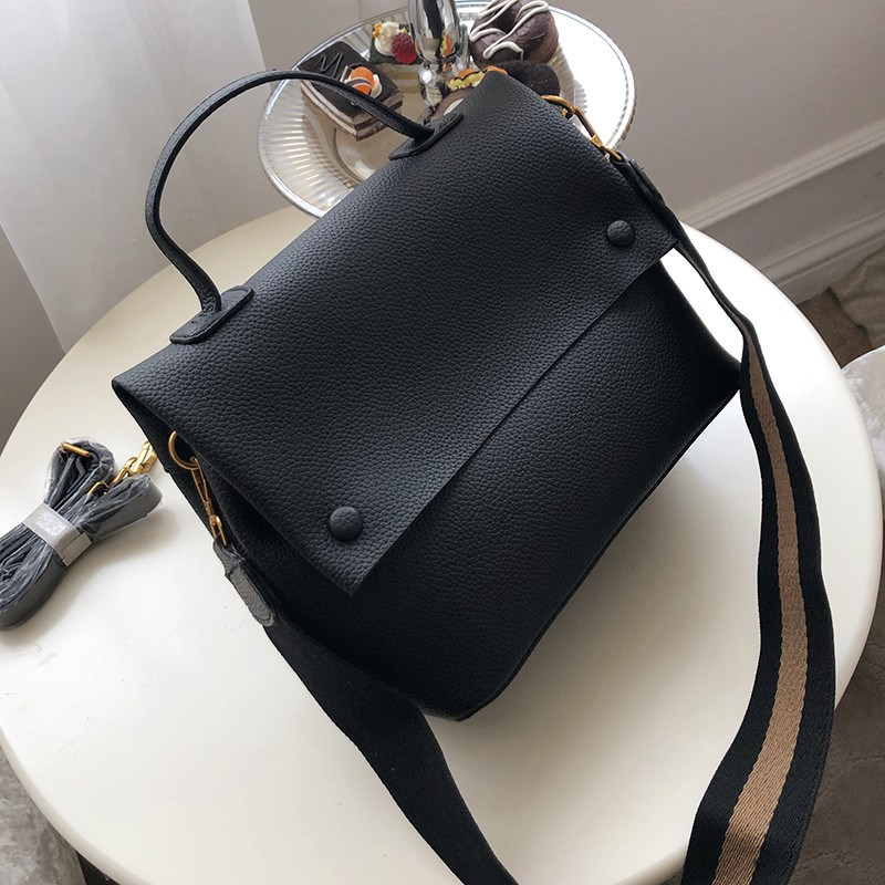 Casual Large Capacity Buckets Bag Designer Cover Shoulder Bag Luxury Matte Pu Handbags Wide Striped Strap Crossbody Bag Purses