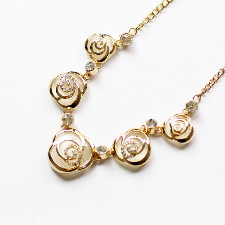 2019 New Style Opal Rose Necklace Short Korean-style Style Versitile Fashion Manufacturers Direct Selling