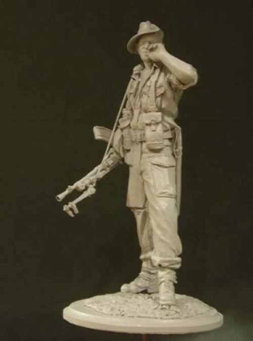 1/16  Modern Man Stand With Smile (WITH BASE )  Resin Figure Model Kits Miniature Gk Unassembly Unpainted