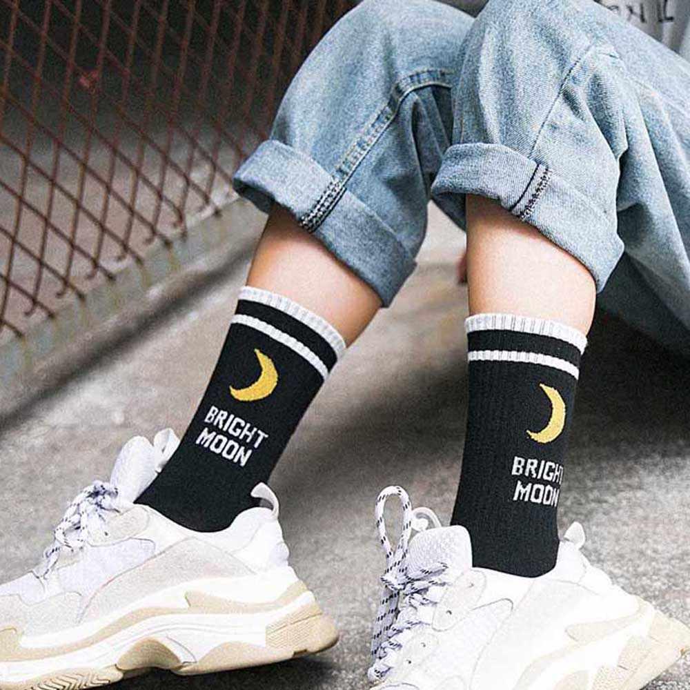Mannen Vrouwen Harajuku Hip Hop Herfst Elastische Rib Trim Lange Crew Sokken Nieuwe Maan Letters Strepen Gedrukt Koppels Katoen Tube kousen