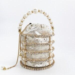 Image 2 - 中空アウトパールバケツイブニングバッグ女性 2019 高級デザイナー韓国手作り合金メタリッククラッチバッグの女性のショルダーバッグバッグ