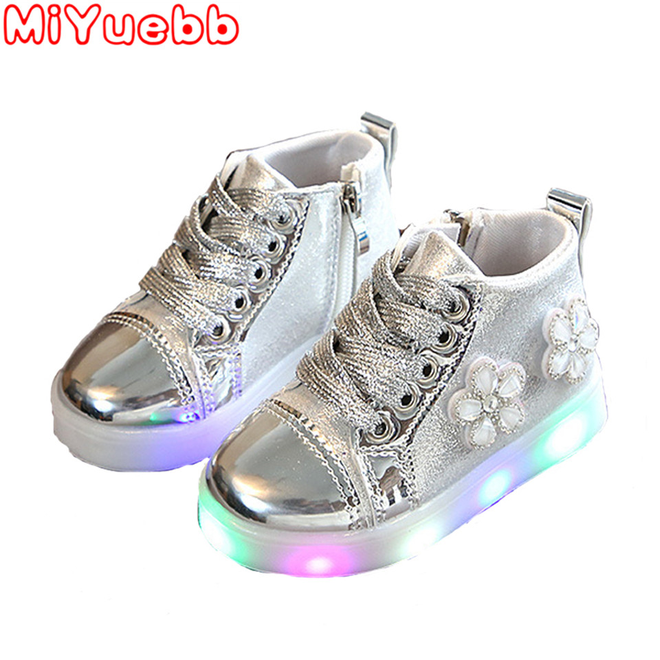 Luminous Sneakers Baby Shoes Lovely Newborn Baby Boy Girl Shoes Kids  Simple Solid Canvas Light Up Shoes Sneaker Toddler Girl DD
