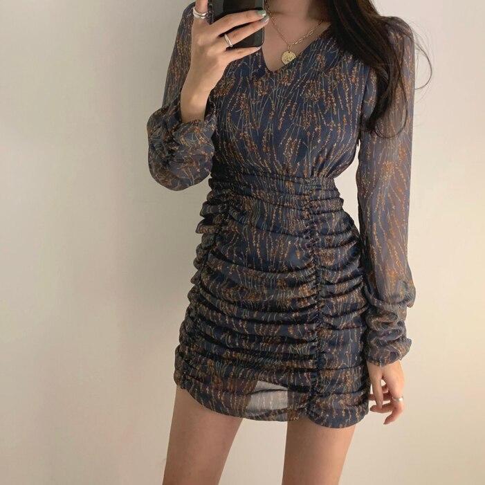 H95bc0ac41b1147f4bb90ccfaa89392f3o - Autumn V-Neck Long Sleeves Chiffon Pleated Floral Print Mini Dress