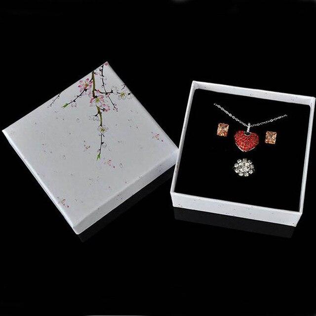 50 sztuk/partia biały kolor Box biżuteria kwiat podłużny pierścień kolczyk naszyjnik wisiorek pudełka do pakowania kwadratowy organizator na biżuterię
