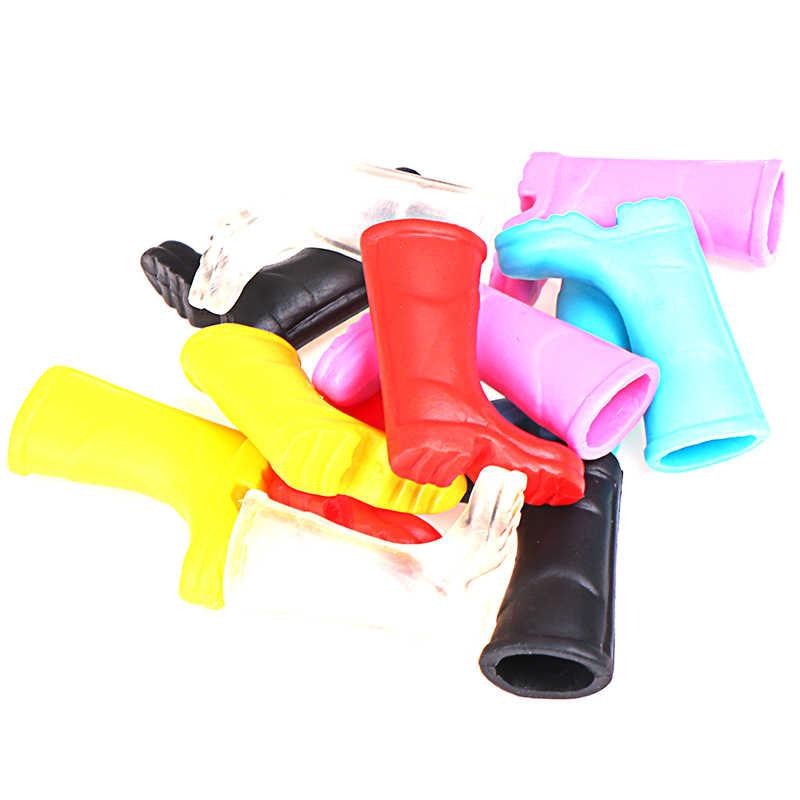 1 par de botas de lluvia de goma casa jardín decoración casa de muñecas a escala 1/12 miniatura multicolor