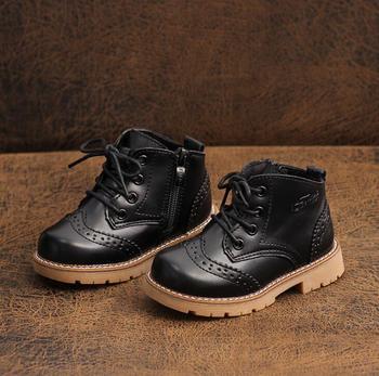 Dziecięce buty Martin Unisex dziecięce botki dla dziewczynek oryginalne skórzane buty dla chłopców moda chelsea Boots Unlimited Season tanie i dobre opinie RUBBER 19-24 M 2-3Y 4-6Y 7-9Y 10-12Y 13-14Y 14Y Zima Moda buty Platforma Mieszkanie z Pluszowe Połowy łydki Pasuje prawda na wymiar weź swój normalny rozmiar