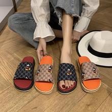 Sandały damskie sandały moda z wystającym palcem drukowane sandały letnie buty na plażę Khaki czarne sandały na co dzień sklepienie łukowe niskie obcasy tanie tanio XLLCWC RUBBER Kapcie Niska (1 cm-3 cm) Pasuje prawda na wymiar weź swój normalny rozmiar Podstawowe Haftować Mieszane kolory