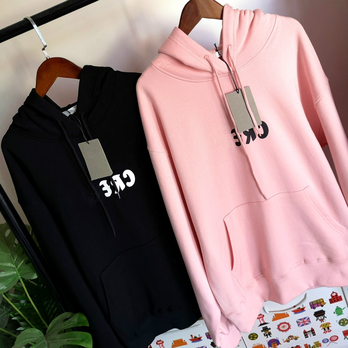 2020 New Autumn Winter Pink Black Couple's Versatile Lettering Printing Casual Long Sleeves Hooded Women Men Hoodies Fashion 1
