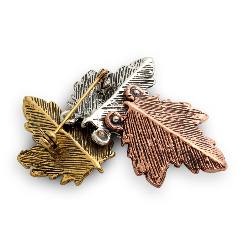 JUJIE Mini Canada Brooch Maple Leaves Brooches For Women 3 Color Metals Brooch Decorative Brooch Travel Souvenir Jewelry Gifts 4