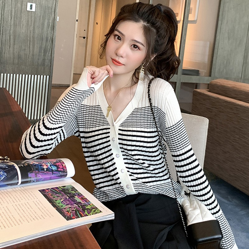 V-neck Sweater Girl's Korean Striped Knitted Cardigans Women Loose Long Sleeve Cardigan Women Autumn Casual Sweater Tops
