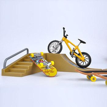 Finger deskorolki Skate Park części rampy dla Tech Practice Deck zestaw upominkowy dla dzieci podstrunnica zabawki gra sportowa dla dzieci dzieci tanie i dobre opinie Metal CN (pochodzenie) Mini alloy bicycle model toy none