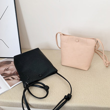 Spring and summer new ladies small fresh messenger shoulder bag color simple small square bag shunruyan new women s national vintage craft wipe color leather simple shoulder messenger bag portable small square package