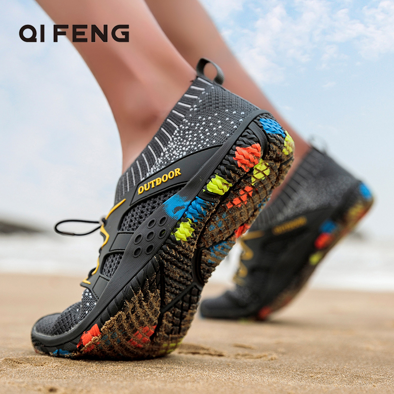 Summer Sneakers Men Outdoor Beach Shoes Aqua Travelling Breathable Mesh Shoes Light Hiking Shoes Water Sports Training Footwear