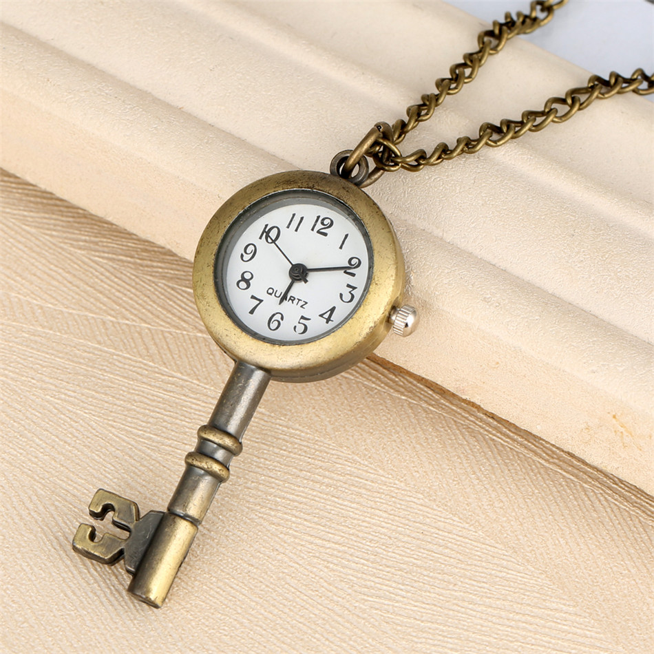 Creative Key/Lock Shape Little Size Quartz Pocket Watch Exquisite Pendant Necklace Watch Bronze Chain