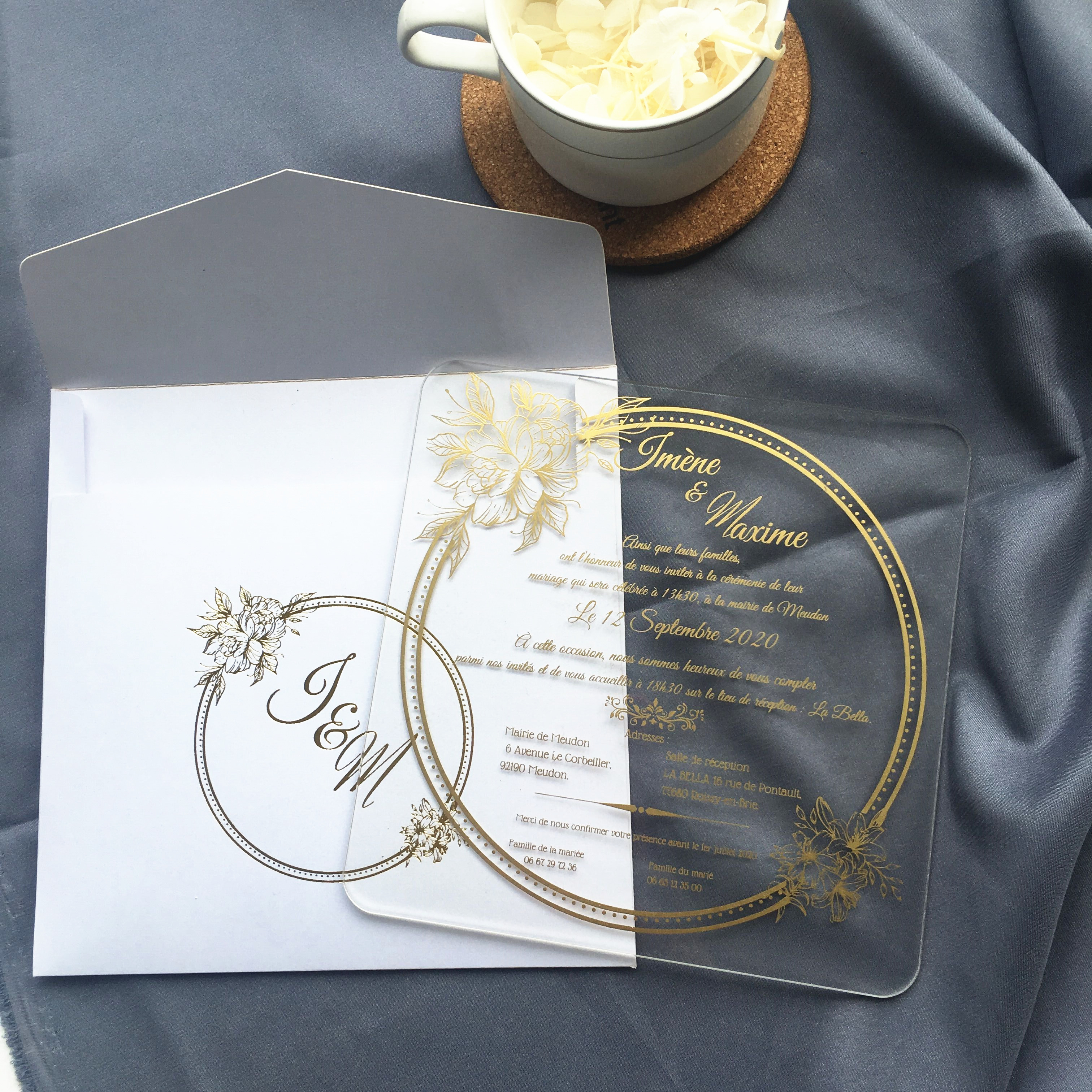 Роскошные, квадратные, акриловые свадебные приглашения карты 10 шт. Пользовательские золотые слова Печать с белый конверт