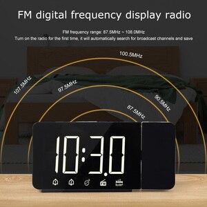 Image 4 - Zegar alarmowy cyfrowe elektroniczne zegary stołowe z funkcją drzemki Radio FM głośny zegarek LED z projekcją czasu