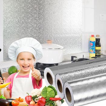 Wielowarstwowa kuchnia olejoodporne naklejki wodoodporne folia aluminiowa kuchenka do gotowania szafka samoprzylepna naklejka na ścianę tapety zrób to sam tanie i dobre opinie CN (pochodzenie) Płaska naklejka ścienna Stałe Do układu odprowadzania dymu Do zabudowanej kuchenki For Wall Jednoczęściowy pakiet
