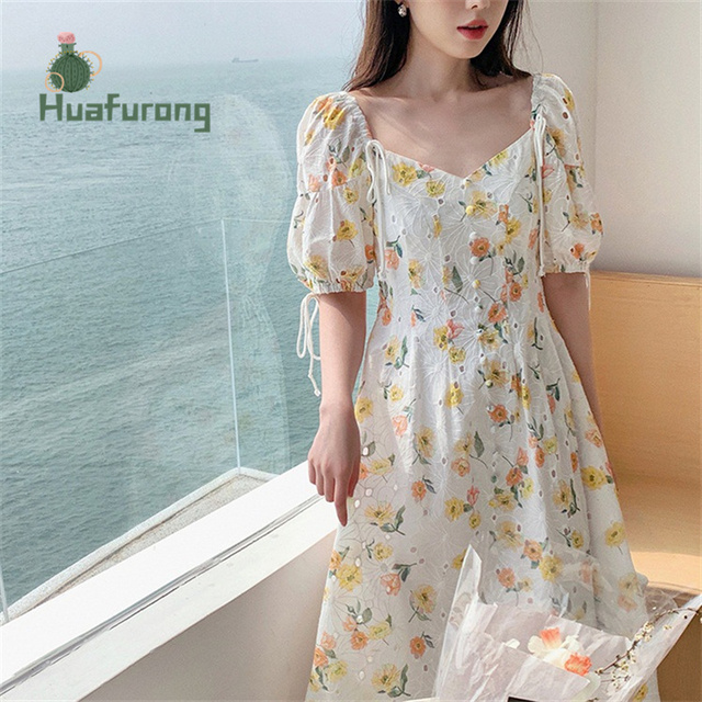 Hollow Embroidery Square-Neck Dress Floral female Summer 2021 New French High-waist Puff Sleeve Front With Buttons 2