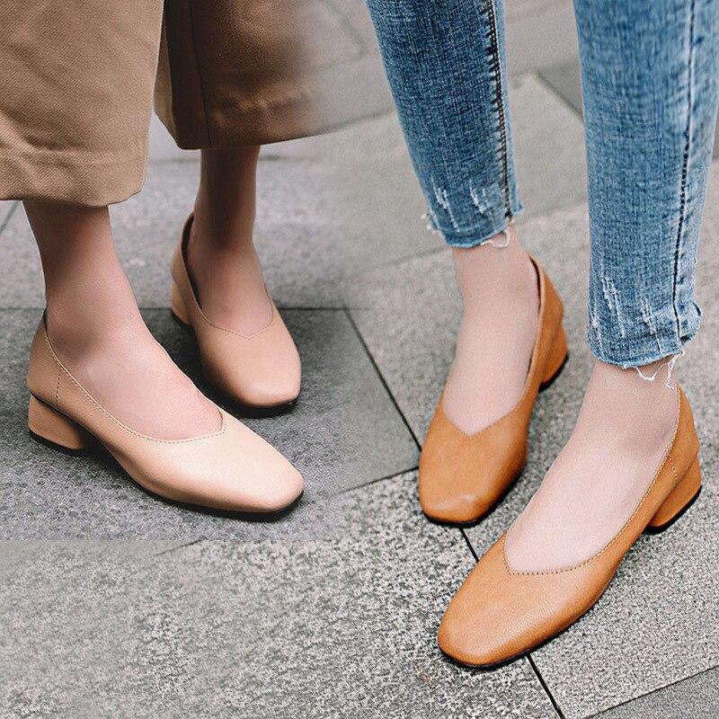 Ev ve Bahçe'ten Ayakkabı Rafları ve Organizatörleri'de Kadın ayakkabı 2019 bahar yeni stil V ağız Retro büyükanne ayakkabı kadın çok yönlü tıknaz topuk kare kafa Mary jane ayakkabı title=