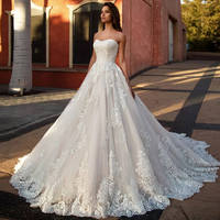 Strapless Lace Wedding Dress Tulle Fabric Sexy Applique Formal Dress Elegant With Court Train Robe De Mariee