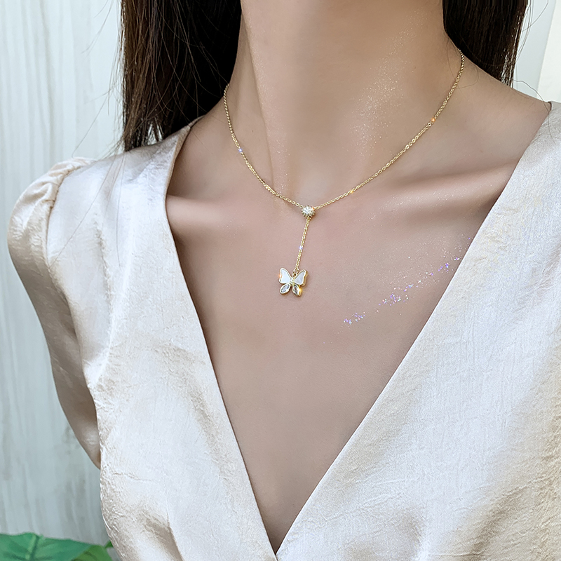 2020 Korean New Design Fashion Jewelry Opal Crystal Butterfly Pendant Necklace Elegant Clavicle Adjustable Female Necklace