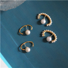 AOMU-2019-Korea-Earrings-Fashion-Imitation-Pearl-C-Shape-Stud-Earrings-for-Women-Jewelry-Metal-Gold