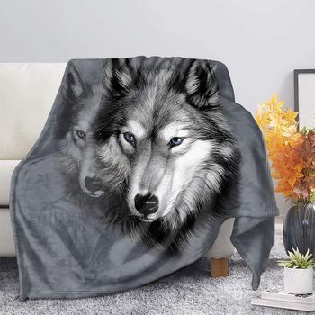 HUGSIDEA 3D szary nadruk z wilkiem flanelowy koc polarowy księżycowa noc wilki Sherpa koc na łóżkach dorośli dzieci futro rzut koc tanie i dobre opinie CN (pochodzenie) Poliester bawełna Anty-pilling Przenośne cartoon Wiosna jesień Gwint koc ręcznik koc Kwalifikacje PRINTED