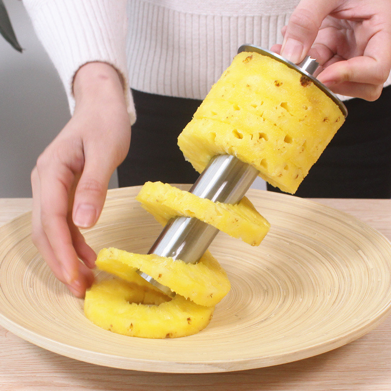 Stainless Steel Pineapple Peeler Cutter Fruit Knife slicer A spiral Pineapple cutting machine Easy to use kitchen cooking tools