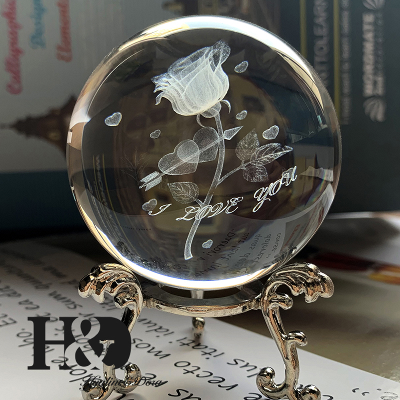 H&D 60mm Crystal Ball 3D Laser Engraved Cupid Sward Of Love Rose Glass Ball Miniatures Sphere Home Decor Accessories With Stand