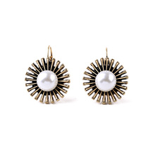 2019 New Arrival Hot Sale Women Round Simulated Pearl Stud Earrings Jewelry