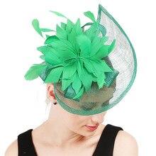 Для женщин зеленый шляпки из соломки синамей с вуалеткой с красивыми с перьями и цветами, красный цвет, черный цвет, Женские Кентукки Дерби венчание праздничные ободки