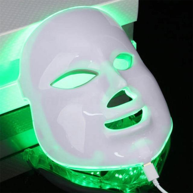 Masque facial à led BB Glow Esthétique professionnelle Bella Risse https://bellarissecoiffure.ch