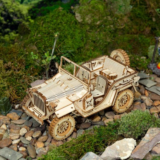 Robotime 1:18 369pcs Retro DIY Movable 3D Army Jeep Wooden Puzzle Game Assembly Toy Gift for Children Teens Adult MC701