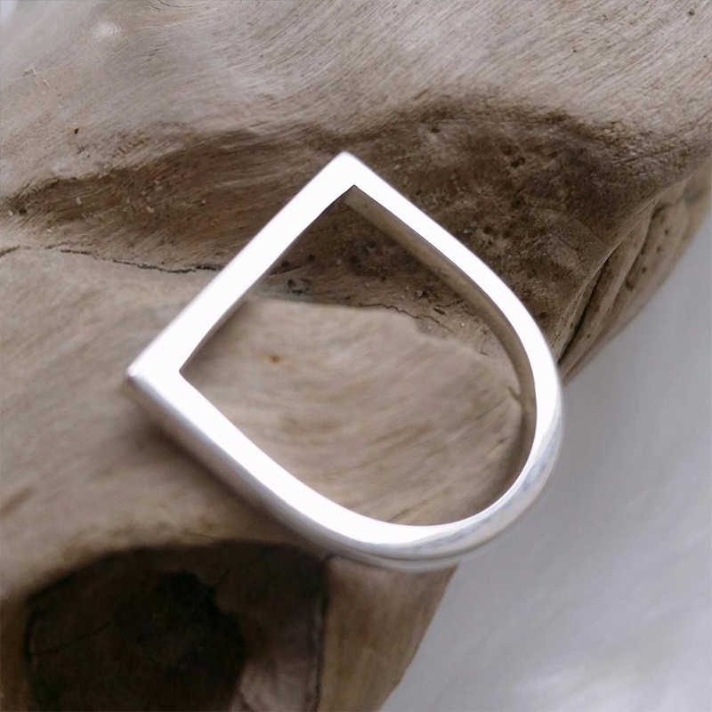 แหวนสตรีแหวนสแตนเลสสำหรับสุภาพสตรีเรขาคณิต Punk แหวนนิ้วมือส่วนบุคคล Minimalist ผู้หญิงเครื่องประดับ