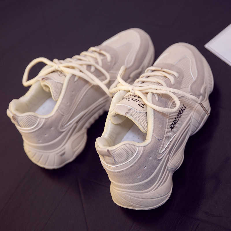 INS Vintage dad รองเท้าผ้าใบ 2018 kanye west 700 light breathable ผู้หญิงรองเท้า zapatillas hombre casual tenis masculino
