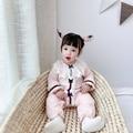ATUENDO весенний Модный мягкий комбинезон для новорожденных Осень атласный шелк однотонная Розовая Одежда для девочек 100% хлопок кавайные Комб...