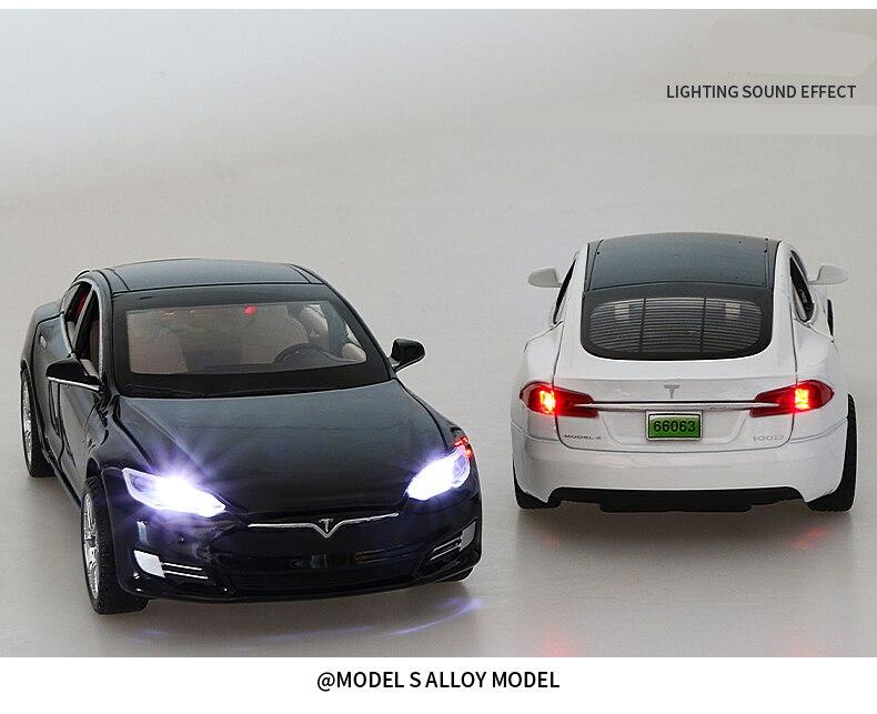 3 modelos de carro em liga metálica