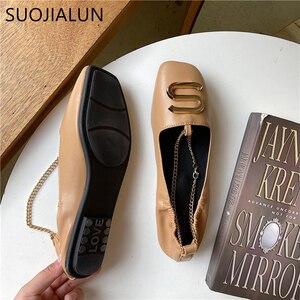 Image 4 - Женские туфли на плоской подошве SUOJIALUN, с квадратным носком и металлической пряжкой, мягкие кожаные балетки с закрытым носком, Loafe, весна 2019