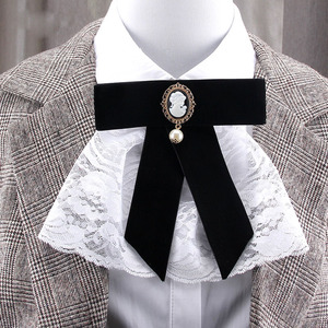 New Retro Velvet Black Beauty Head Lace Bow Tie Brooches Pearl Bowtie Corsage Dresses Shirt Collar Pin for Women Accessories