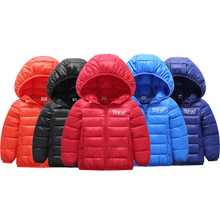 Новинка; легкий Детский пуховик; зимняя детская одежда; короткое пальто для мальчиков и женщин; хлопковая куртка