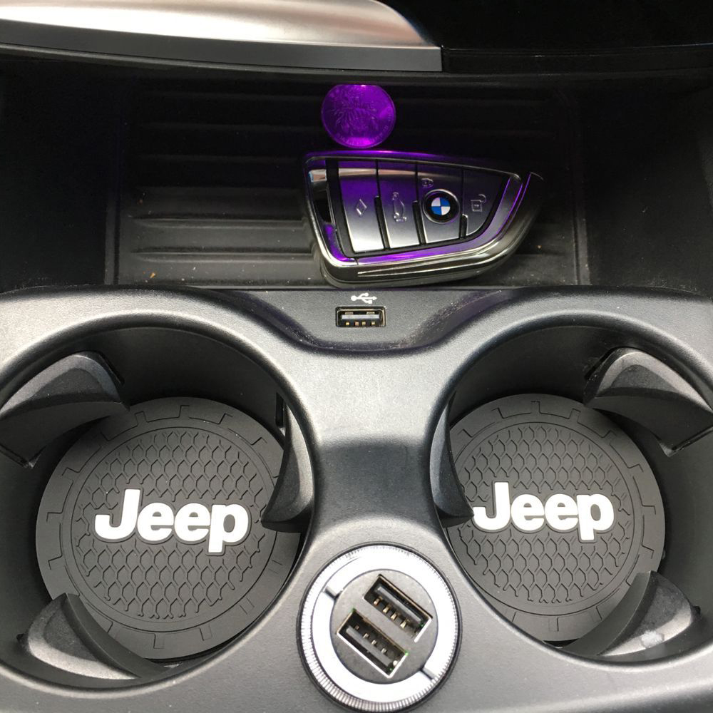 1 pièces voiture-style PVC voiture antidérapant dessous de verre tapis étui pour Chrysler JEEP Grand Cherokee Wrangler Compa voiture accessoires