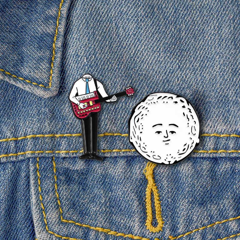 Punk Hip-Hop Vestito! Personalizzato Cantante Suonare La Chitarra di Grandi Dimensioni Testa di Separazione Del Corpo Creativo Smalto Spilli Jeans Zaino Distintivo