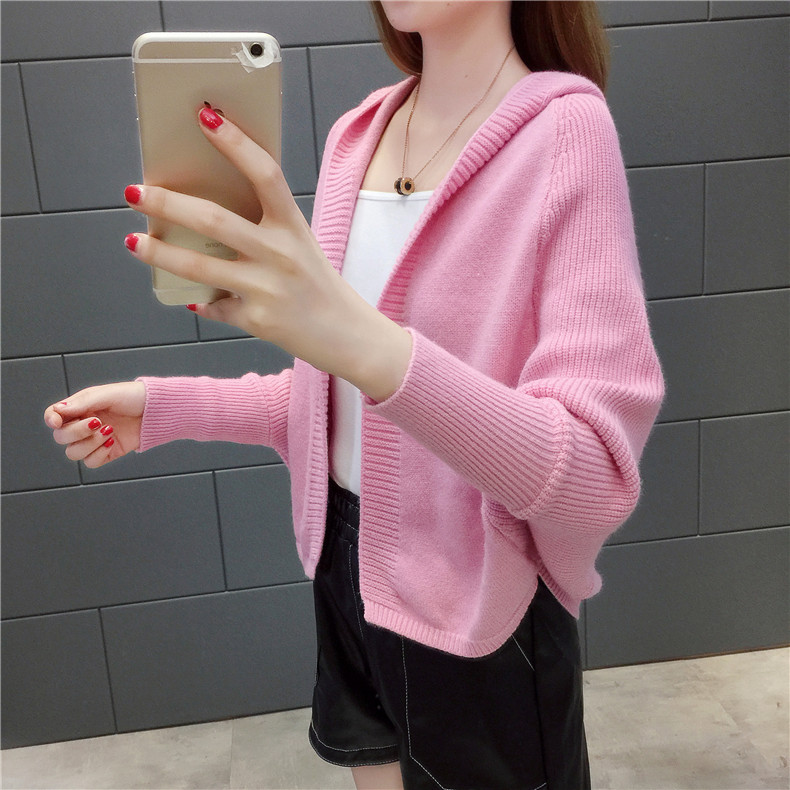 2019 Free send New style Korean loose and comfortable Autumn women Cardigan Sleeve of bat Hooded Sweater coat 135