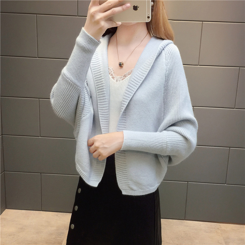 2019 Free send New style Korean loose and comfortable Autumn women Cardigan Sleeve of bat Hooded Sweater coat 117