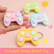 1pc adultos crianças brinquedo de alívio do estresse portátil colorido gamepad forma memória labirinto cubo gadget chaveiro educacional jogo descoberta