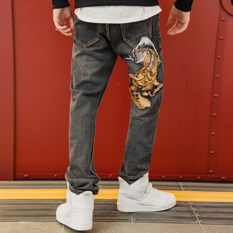 New Men's Japanese Streetwear Hip Hop Embroidered Tiger Jeans Fashion Straight Jeans Pants Male Personality Trousers 29-40