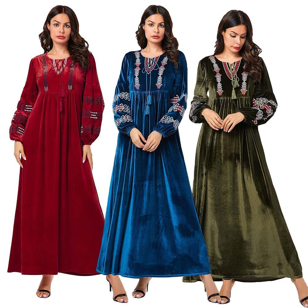 Ethnic Embroidery Abaya Velvet Jilbab Muslim Women Long Sleeve Dress Pleated Kaftan Warm Islamic Clothing Dubai Robe Maxi Gown